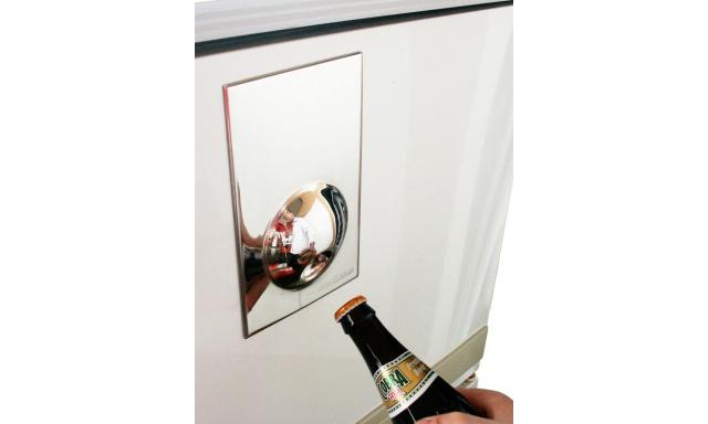 Magnetický otvírák na lednici SUCK UK Fridge Magnet, nerezový